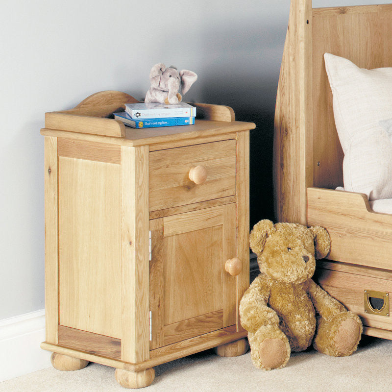 Amelie Solid Oak Bedside Cabinet (1 Door, 1 Drawer) -  - Bedside Table - Baumhaus - Space & Shape - 1