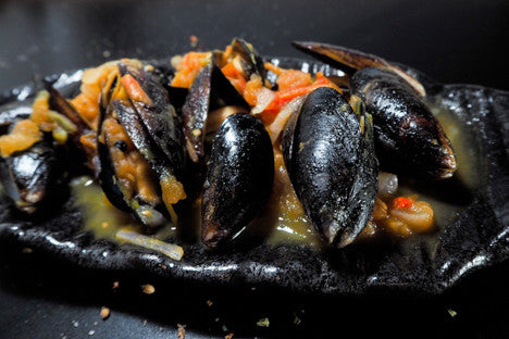 TOMATO CHILLI SIMMERED MUSSELS RECIPE