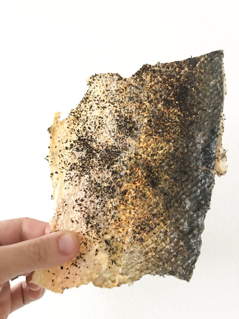 BAKED SALMON SKIN WITH TEA LEAVES