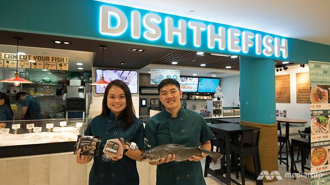 Dishthefish The New Age Fishmonger Singapore Wet Market channelnewsasia innovative ways fresh fish seafood fillet child cut online delivery 新加坡 网购 送货 鲜鱼 渔民 鱼片