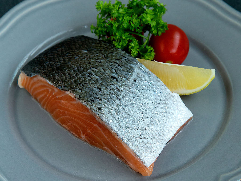 Salmon Fillet (about 250-300g) - Dishthefish