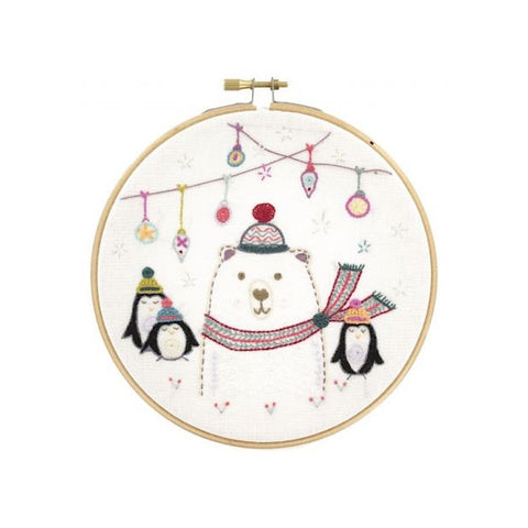Un Chat Embroidery Kit: Askor Team from the North