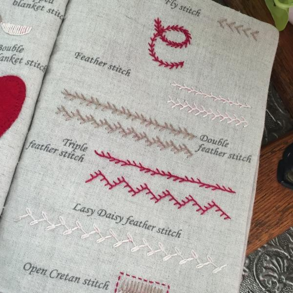 Un Chat Embroidery Kit : workbook