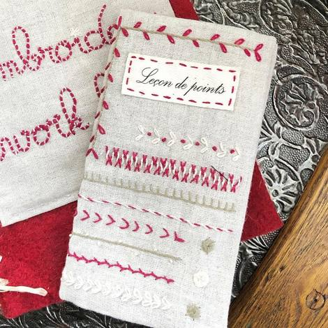 Un Chat Embroidery Kit: Petite Stitch Lessons Sampler Kit