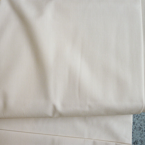 Art Gallery Fabrics : Pure Solids - Sandstone beige quilting cotton