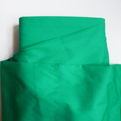Art Gallery Fabrics : Pure Solids - Emerald green quilting cotton
