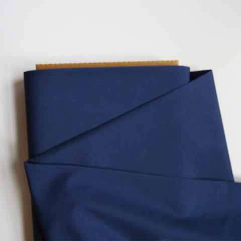 Art Gallery Fabrics : Pure Solids - Night Sea navy blue quilting cotton