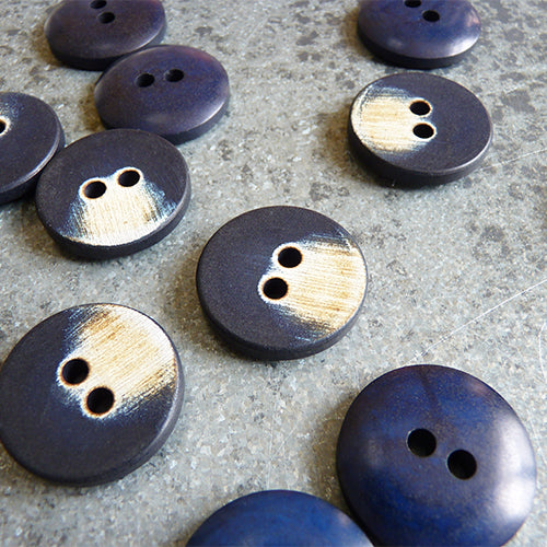 two hole plastic brush stroke button navy
