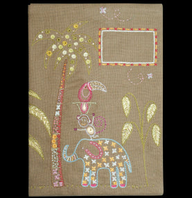 Un Chat Embroidery Kit: Book Cover
