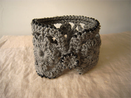 Linnet Patterns : Crochet Cuff Thumbnail