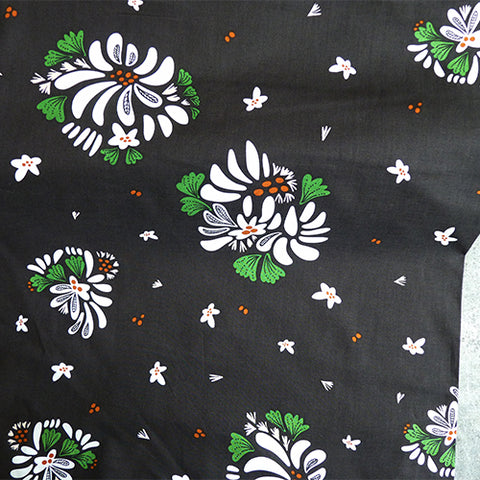 cloud 9 organic quilting cotton fabric bouquet toss floral black