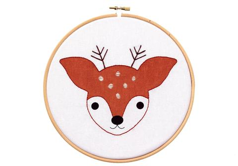 Kiriki Fawn embroidery kit with hoop