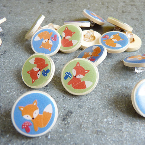 coconut resin fox button
