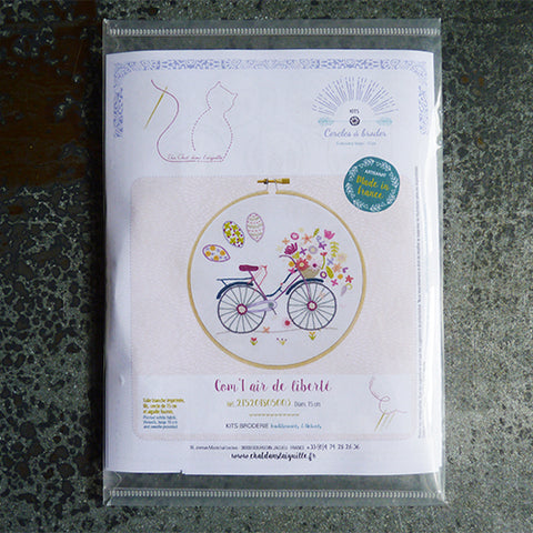 Un Chat Embroidery Kit : Air of Freedom Bicycle