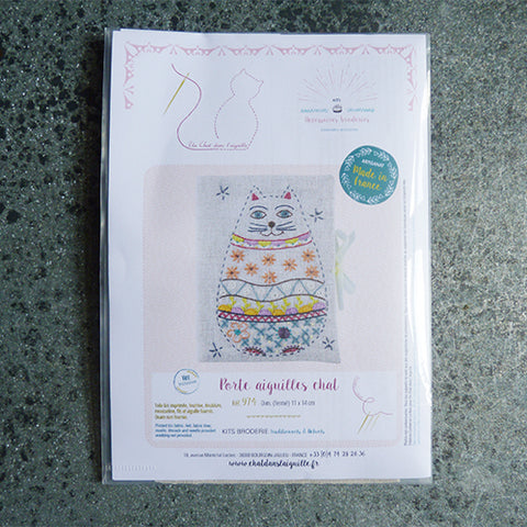 Un Chat Embroidery Kit : Cat Needle Case