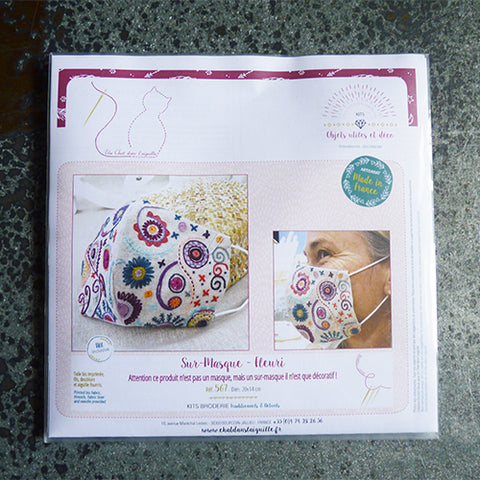 Un Chat Embroidery Kit : Flowery Mask