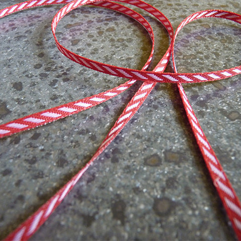may arts ribbon diagonal stripes red white
