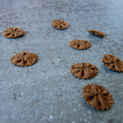 Mokuba : Small Flower Applique - Brown 67