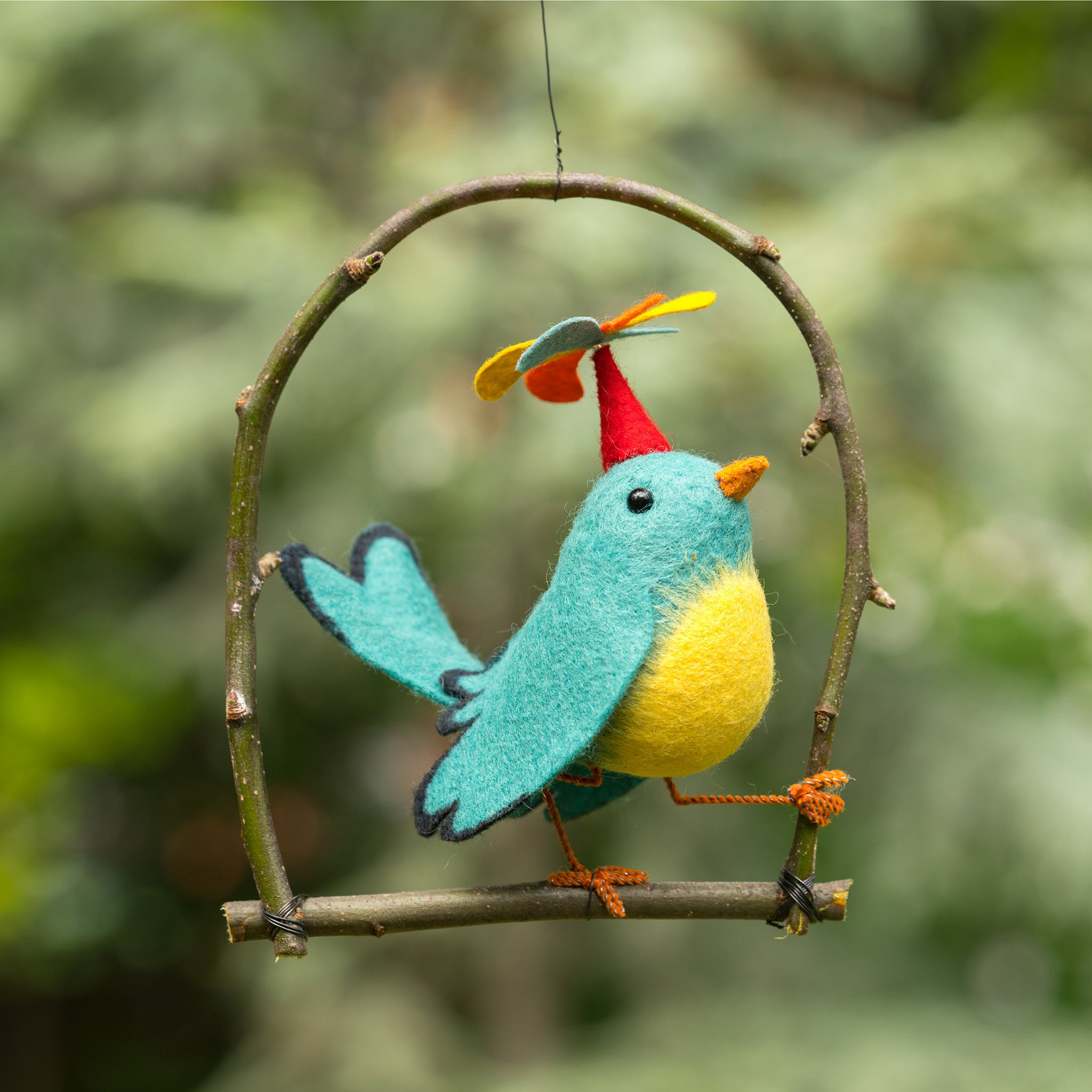 Threadfollower: Hand stitching project - Twirly Bird Kit