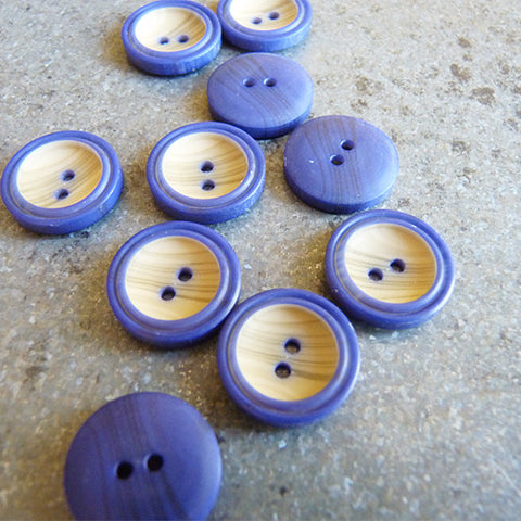 woody rimmed plastic button navy 2 hole