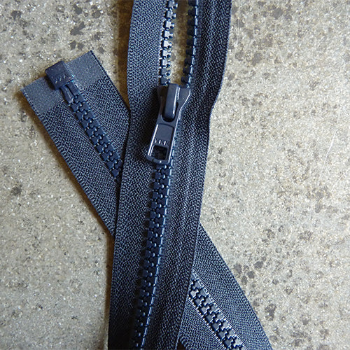 ykk 18 in separating zipper navy