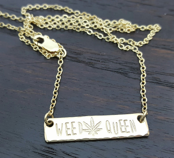 luxe weed queen bar necklace in 14k gold