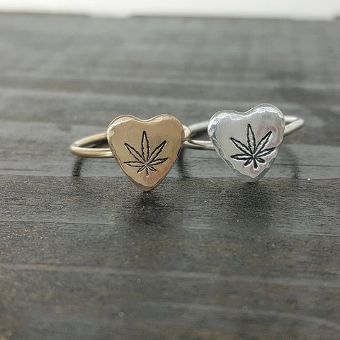 Cannabis Leaf Sweetheart Ring