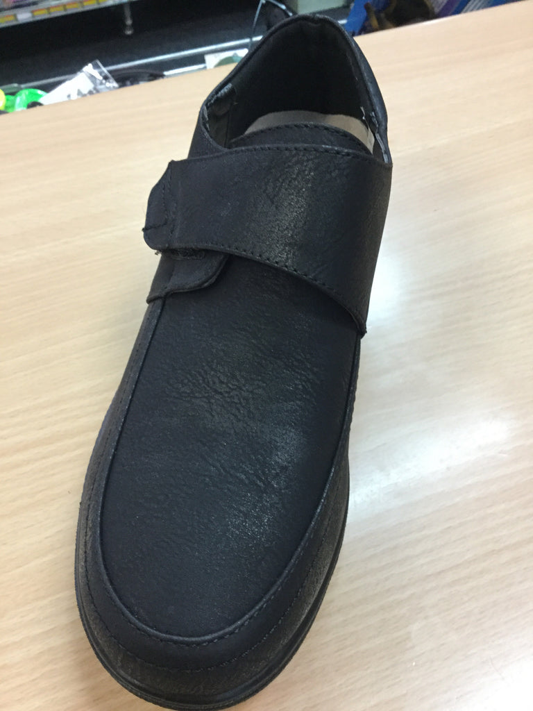765- Unisex Velcro shoes