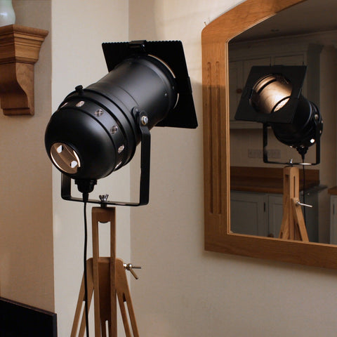 Floor Lamp - Theatre Spot Light On Wooden Tripod - Long Black