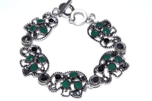 Load image into Gallery viewer, Green Circle Of Elephants Bracelet