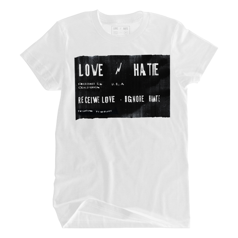 LOVE/HATE BANNER TEE WHT
