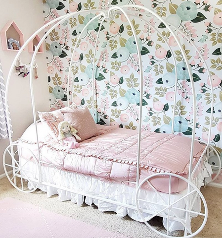 Big girl room with carriage bed - fit for a little princess