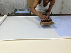 Hand printing/hand painting wallpaper with carved wooden blocks
