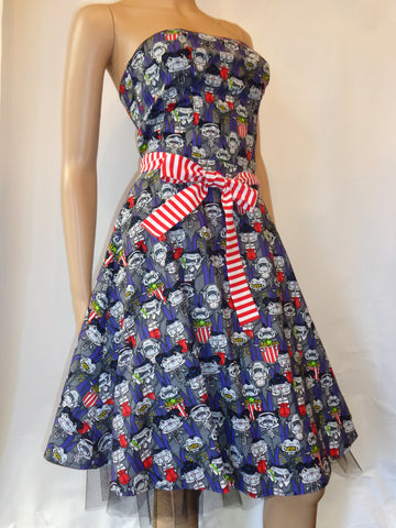 Folter clothing vampires in movie theater printed dress