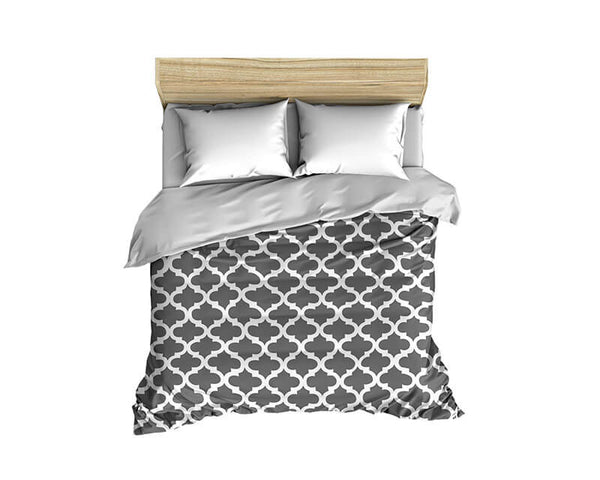 Quatrefoil Pattern White on Solid Comforter - WallLillies