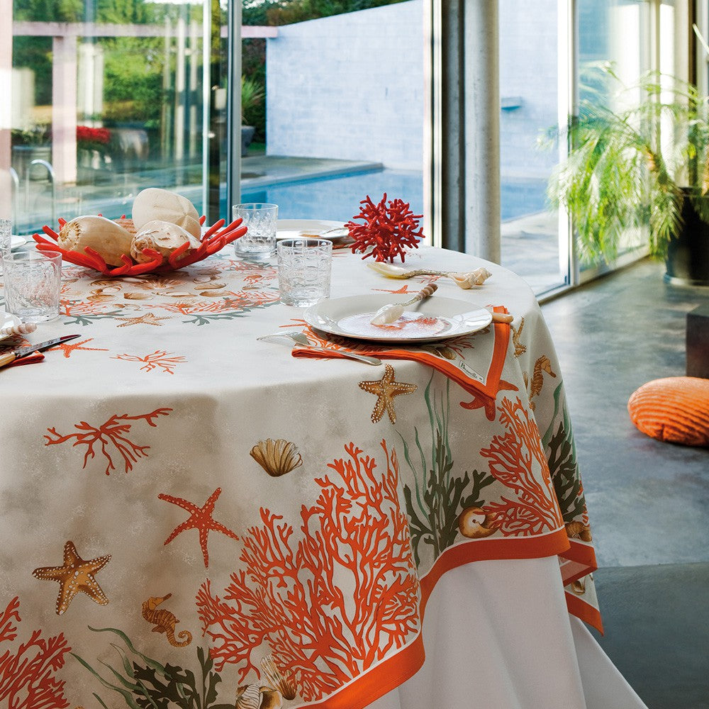 Corail (Coral), Red Tablecloth