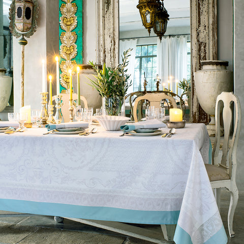Jardin De La Reine Celadon Tablecloth, High Thread Count