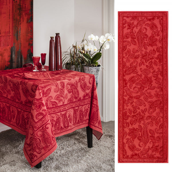 Dîner en Ville, Vermillion Table Runner