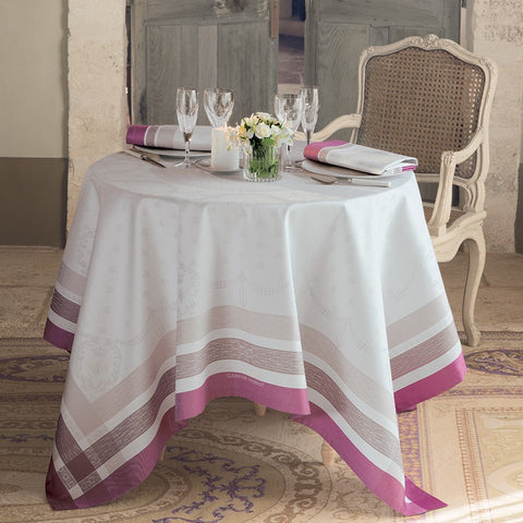 Garnier-Thiebaut, Café Botanique, Fuchsia Table Runner