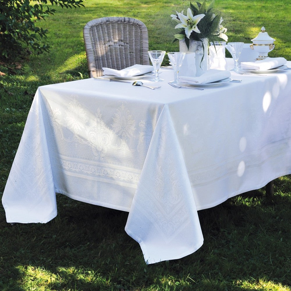 Beauregard Blanc (White) Tablecloth