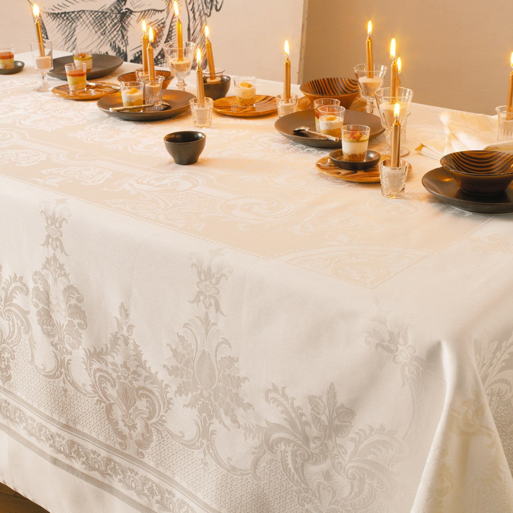 Beauregard Ivoire (Ivory) Tablecloth