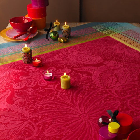 Isaphire Rubis (Ruby) Tablecloth, High Thread Count