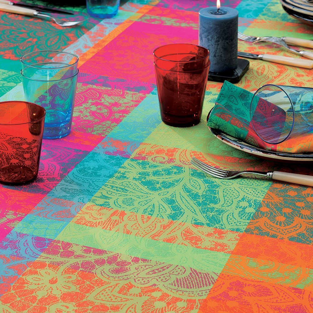 Mille Dentelles (Lace), Floralies Tablecloth