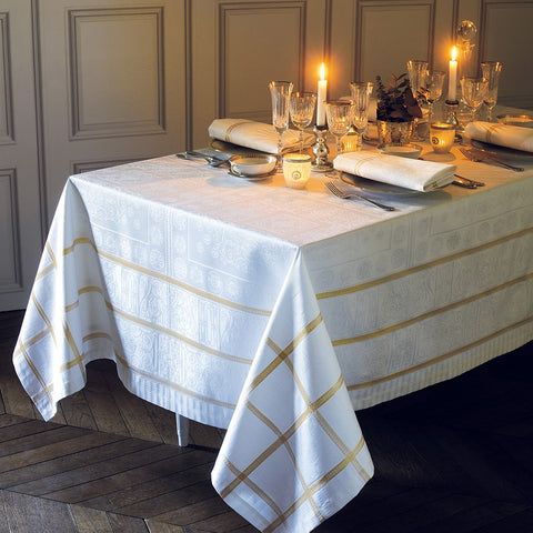 "Tuileries d'Or (Gold) Tablecloth, 68"" x 68"", High Thread Count"