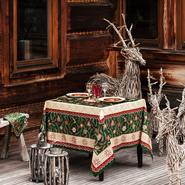 Sapin d'Épices (Spice Tree) Christmas / Holiday Tablecloth
