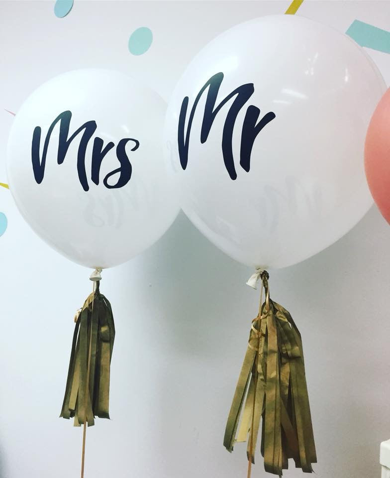 "Mr & Mrs 18"" balloons with tassels - Helium inflated"