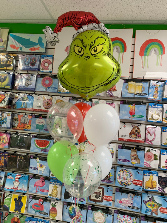 Grinch balloon bouquet