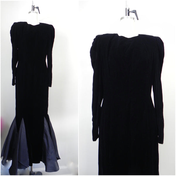 RENTAL ONLY Vintage 1970s-1980s Carolina Herrera Black Velvet Long Sleeve Sheath Evening Gown - Vintage World Rocks - 3