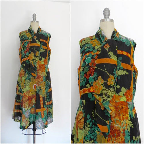 Vintage 1960s Colorful Aline Dress with Tie at Neck - Vintage World Rocks - 1