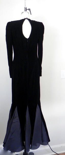 RENTAL ONLY Vintage 1970s-1980s Carolina Herrera Black Velvet Long Sleeve Sheath Evening Gown - Vintage World Rocks - 7